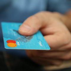 Jak unikać nadmiernego używania karty kredytowej